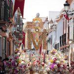 La Santa Cruz de la Calle Sevilla se prepara para el tiempo de Gloria
